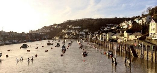 Looe Harbour. Photograph by Gwendrock Twyr