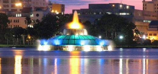 Lake Eola, Orlando. Photograph by Laura Leavell