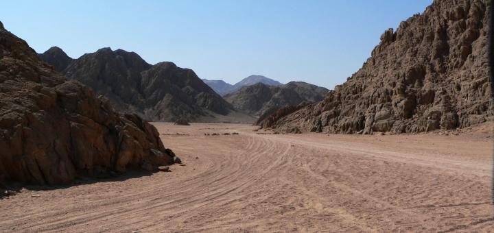 Desert near Hurghada, Egypt. Photograph by Marcel Groot
