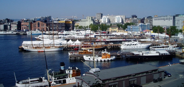 Oslo port. Photograph by Leylop