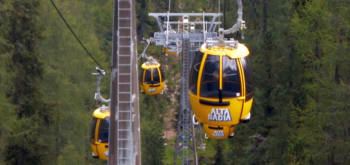 Cable cars in Alta Badia. Photograph by Graham Soult