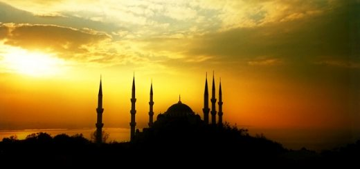 Blue Mosque, Istanbul. Photograph by Viajero Viajero at Freeimages