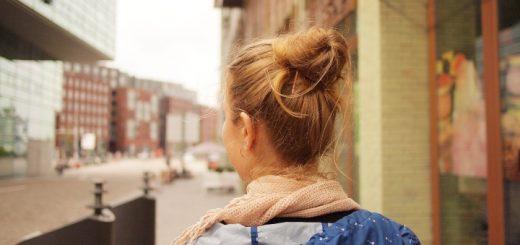 Student traveller. Photograph by Daria Nepriakhina