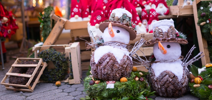 Gift ideas at a Cotswold Christmas market
