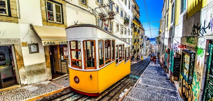 A distinctive Lisbon funicular. Photo credit: Nextvoyage at Pixabay