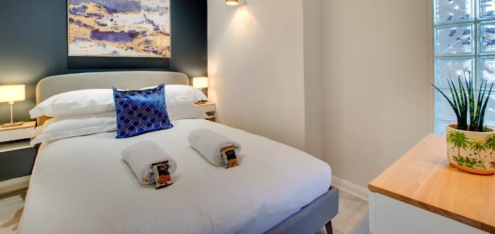 Bedroom in a Week2Week apartment