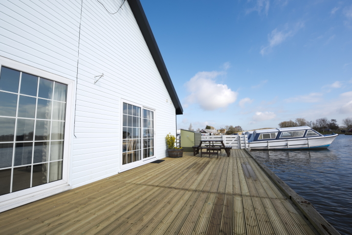 Herbert Woods offers holiday cottages in beautiful waterside locations